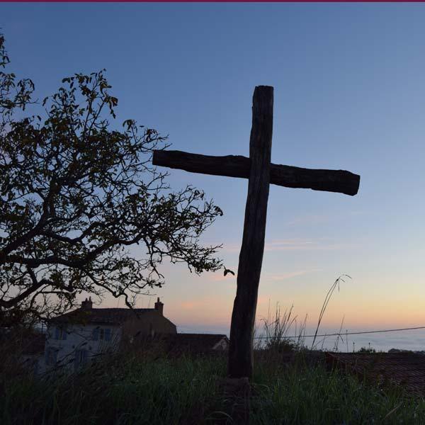 Bij het kruis